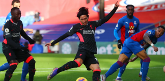 Pemain Liverpool asal Jepang, Takumi Minamino, membuka skor pada menit ke-3 saat melawan tun rumah Crystal Palace di Selhurst Park, Sabtu (19/12/2020). Liverpool berpesta 7-0 dan melebarkan jarak menjadi 6 poin dengan Tottenham Hotspur. (Foto: Premierleague.com)