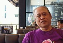 Foto Haryanto salah satu pelukis dari Batam, Kepulauan Riau