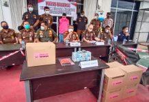 Kejari Bintan saat merilis pengungkapan kasus korupsi di PT BIS BUMD Bintan (Suryakepri.com/Muhammad Bunga Ashab)