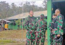 Kasdam III/Slw Brigjen TNI Kunto Arief Wibowo, S.I.P, tinjau Pos Oksibil Satgas Pamtas Yonif 312/KH Distrik Serambakon, Kabupaten Pegunungan Bintang, Papua.