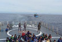 KRI Bung Tomo-357 (KRI TOM-357) berhasil menangkap tujuh Kapal Ikan Asing (KIA) berbendera Vietnam, Minggu (13/12/2020)