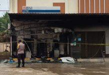 Penampakan ATM Center di Prayun, Kecamatan Kundur Barat, Karimun usai terbakar, Rabu (16/12/2020) dini hari. Foto Suryakepri.com/Dokumentasi Warga
