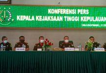 Kajati Kepri Hari Setiyono saat konferensi pers di kantornya (Suryakepri.com/Muhammad Bunga Ashab)