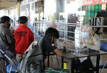 warga Batam wajib membawa Surat Keterangan Rapid Test Antigen.