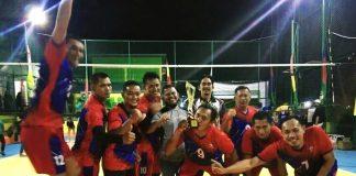 Tim voli putra Batik sukses menjuara Turnamen bola voli veteran Amelia 511 Legend Cup 2020, yang digelar lapangan Voli Amelia, Baran II, Karimun, Senin (28/12/2020)