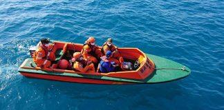 Petugas SAR Tanjungpinang saat melaksanakan operasi pencarian (Suryakepri.com)