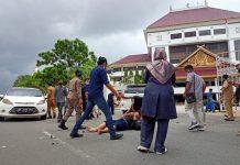 kecelakaan lalu lintas, yang tepat terjadi di depan Kantor Walikota Batam, Batam Center, Batam, Kepulauan Riau.