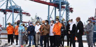 Rombongan Komisi V DPR RI mengunjungi posko terpadu JICT 2 Tanjung Priok, Senin (11/1/2021).