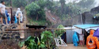Hujan deras yang memicu tanah longsor terjadi di Kelurahan Perkamil, Kecamatan Paal Dua, Manado, Sulawesi Utara. Longsor di wilayah itu merenggut tiga korban jiwa, Sabtu (16/1/2020). (DOK BASARNAS MANADO)