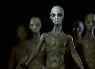 Tampang alien dalam film Extra-Terrestrial (ET), film fiksi ilmiah Amerika tahun 1982 yang diproduksi dan disutradarai oleh Steven Spielberg yang ditulis oleh Melissa Mathison. Belakangan ini semakin diyakini ada alien atau makhluk cerdas dari luar angkasa luar angkasa yang memiliki kecerdasan melebihi manusia. Militer AS dan Inggris bahkan memilki persiapan untuk menghadapi mereka. (Foto dari Daily Star)