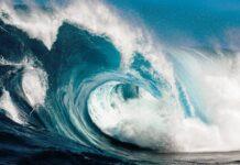 Pusat Maritim BMKG memperingatkan potensi terjadinya gelombang ekstrem di Perairan Laut Natuna Utara dan gelombang sangat tinggi di wilayah Perairan Anambas-Natuna untuk Rabu (13/1/2021). (Foto ilustrasi dari Marine Insight)