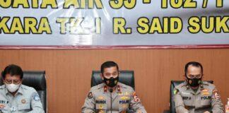 Karo Penmas Divisi Humas Polri Brigjen Rusdi Hartono saat memberikan keterangan pers mengenai teridentifikasinya dua jenazah korban jatuhnya Sriwijaya Air SJ-182 di RS Polri, Kramat Jati, Jakarta Timur, Rabu (13/1/2021). (Foto: Humas Polri)