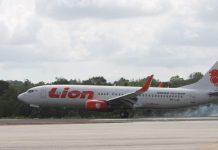 Ilustrasi, pesawat Lion Air saat mendarat di Bandara Internasional RHF Tanjungpinang baru-baru ini (Suryakepri.com/Muhammad Bunga Ashab)