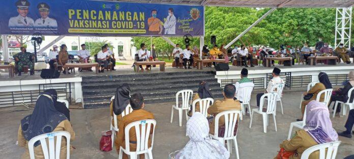 Sosialisasi vaksinasi yang digelar oleh Pemerintah Kota (Pemko) Batam, di dataram Engku Putri, Batam Center, Senin (11/1/2021) pagi.