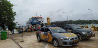 personil TNI dan Kepolisian, serta Tenaga Kesehatan (Nakes) bersiaga di Pelabuhan Roro Punggur, Batam, Kepulauan Riau,