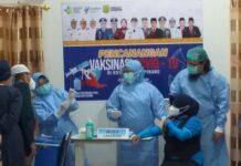 Wali Kota Tanjungpinang Rahma saat mengikuti vaksinasi di RSUD Tanjungpinang (Suryakepri.com/Muhammad Bunga Ashab)