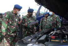 Danlanud RHF Kolonel Pnb Andi Wijanarko saat mengecek kendaraan dinas (Suryakepri.com)