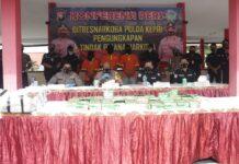 Dua pelaku pengedar narkotika menyimpan sabu seberat 46 kg di hudang Mushola Pulau Teluk Bakau kelurahan Pulau Terong, Belakang Padang