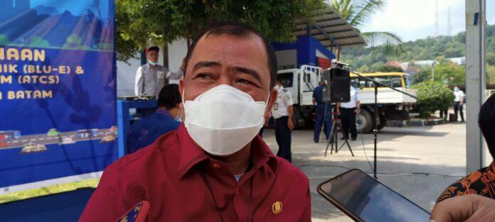Kepala Dinas Perindustrian dan Perdagangan (Kadisperindag) Kota Batam, Gustian Riau