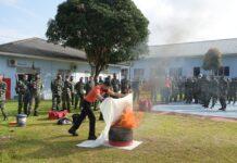 Prajurit Lanud RHF dan ARFF Bandara Raja Haji Fisabilillah Tanjungpinang latihan pencegahan bahaya kebakaran (Suryakepri.com)
