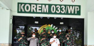 Tim Kemenkopolhukam) RI saat kunjungan kerja ke Makorem 033/WP (Suryakepri.com/Dok Penrem 033/WP)
