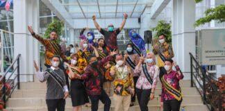 Duta CHSE (Cleanliness, Health, Safety, Environmental Sustainability) Batam Dhiaulhaq dan Dokter Missy ikut mendampingi kunjungan kerja Menteri Pariwisata dan Ekonomi Kreatif (Menparekraf) Sandiaga Salahuddin Uno di Batam
