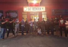 Pelaku penikaman warga Tiban, Sekupang Batam diringkus jajaran Satreskrim Polresta Barelang, Rabu (20/1).(suryakepri.com/romi)