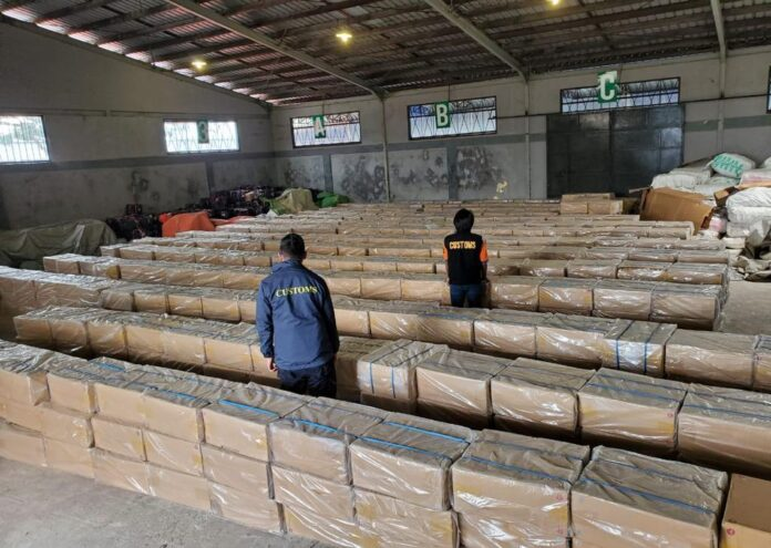 Karton-karton berisi rokok ilegal hasil sitaan Bea Cukai. (Foto: Dok Bea Cukai)
