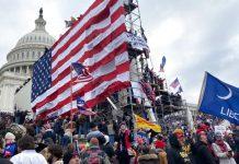 Pendukung Donald Trump mengepung Gedung Capitol di Washington DC, pada Rabu 6 Januari 2021. (Foto: Tayfun Coskun | Agen Anadolu | Getty Images via CNBC)