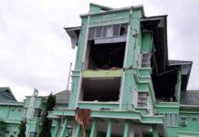 RSUD Mamuju Sulawesi Barat mengalami kerusakan parah akibat gempa bumi 6,2 SR yang mengguncang wilayah itu pada Jumat (15/1/2021) sekitar pukul 02.28 Wita. (Fotodari Pasang Mata)