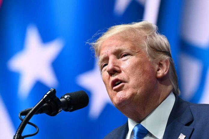 Mahkamah Agung AS telah setuju untuk mendengarkan kasus-kasus yang menuntut pengembalian pajak dan catatan keuangan Presiden Donald Trump. Foto: AFP / Mandel Ngan