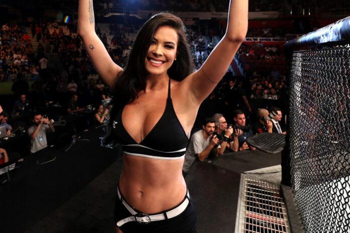 UFC ring girl Girl Camila Oliveira. (Foto: Zuffa LLC via Getty Images)