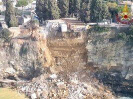 Lahan pemakaman longsor di Italia (foto: bbc.com)