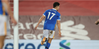Gelandang Brighton & Hove Albion Steven Alzate melakukan selebrasi usai membobol gawang Liverpool di Anfield, Rabu (3/2/2021) atau Kamis dinihari waktu Indonesia. (Foto: brightonandhovealbion.com)