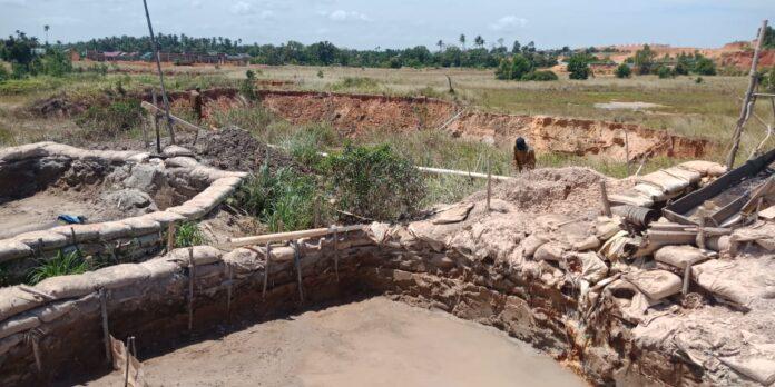 Titik penambangan pasir ilegal terlihat jelas di Kampung Memban, Teluk Mata Ikan, Kampung Jabi, dan Panglong dikawasan Batu Besar, Nongsa.