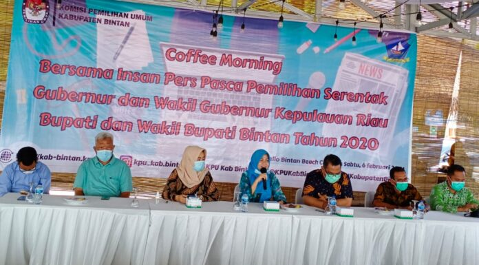 KPU Bintan saat Coffee Morning bersama insan pers di Hello Bintan Beach Cottages (Suryakepri.com/Muhammad Bunga Ashab)