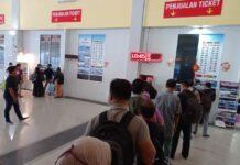 Suasana pelabuhan domestik Telaga Punggur, Batam, Kepulauan Riau jelang perayaan Imlek 2021