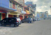 Suasana di pusat perbelanjaan di Kota Batam tutup saat Tahun Baru Imlek, yang jatuh pada hari ini, Jumat (12/2/2021).