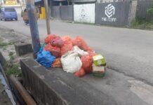 Tumpukan sampah berjejer di tepi jalan Tanjung Batu, Kundur, Karimun, Rabu (17/2/2021). Foto Suryakepri.com/IST