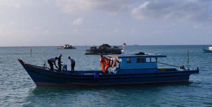 Tim SAR Gabungan saat melakukan pencarian korban (Suryakepri.com/Dok Tim SAR Natuna)