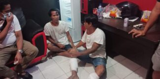 Dua pelaku perampokan Indra Junaidi (34), dan Alex Inskandar (31) di salah satu ruko dikawasan Bengkong dibekuk jajaran kepolisian Sat Reskrim Polresta Barelang, Jumat (19/2/2021) sekitar pukul 18.30 WIB.
