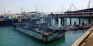 kapal tangkapan Bea Cukai Batam terbakar di Dermaga Kementerian Keuangan RI Direktorat Jendral Bea dan Cukai Tipe B Batam, Tanjunguncang, Selasa (23/2/2021) sekitar pukul 80.00 WIB.