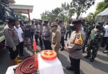 Kapolda Kepri Irjen Aris Budiman gelar apel persiapan pasukan pengendalian kebakaran, di lapangan upacara Polda Kepri, Rabu (24/2/2021).