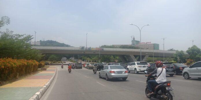 Kabut asap mulai menyelimuti Kota Batam