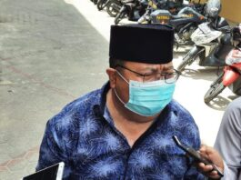 Sekwan Bintan Muhammad Hendri usai diperiksa KPK di Mapolres Tanjungpinang (Suryakepri.com)