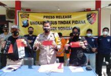 Tiga pelaku Curanmor yang mengunakan mobil rental di wilayah Kecamatan Nongsa, dibekuk Sat Reskrim Polsek Nongsa, Jumat (26/2/2021).