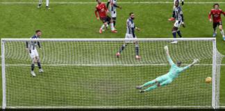 Tendangan voli Bruno Fernandes pada menit ke-44 untuk menjadikan skor 1-1, yang menyelamatkan satu poin bagi Manchester United di kandang West Brom, Minggu (14/2/2021). (Foto: Premierleague.com).