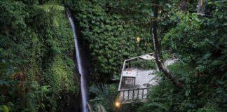 Hotel di tepi air terjun Ubud, Bali, ini berada di posisi ke-dua dalam daftar Best Romantic Hotel in the World TripAdvisor 2020. (Dok. The Kayon Resort)