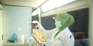 ATB berkomitmen menjaga kualitas air bersih yang sampai kepada pelanggan. ATB melakukan pengujian terhadap 160 sampel air setiap harinya.
