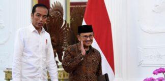 Joko Widodo alias Jokowi lahir 21 Juni 1961 dan Bacharuddin Jusuf (BJ) Habibie lahir 25 Juni 1936. Keduanya menjadi Presiden Indonesia dan sama-sama berzodiak Cancer. Tokoh dunia yang juga berzodiak Cancer antara lain Presiden Amerika Serikat ke-43 George W Bush, lahir 6 Juli 1946, Kanselir Jerman Angela Merkel lahir 17 Juli 1954.